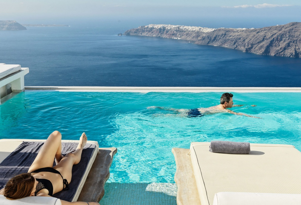 (EN) Top 25 hotels in Greece for Service – Romance and Small Hotels
