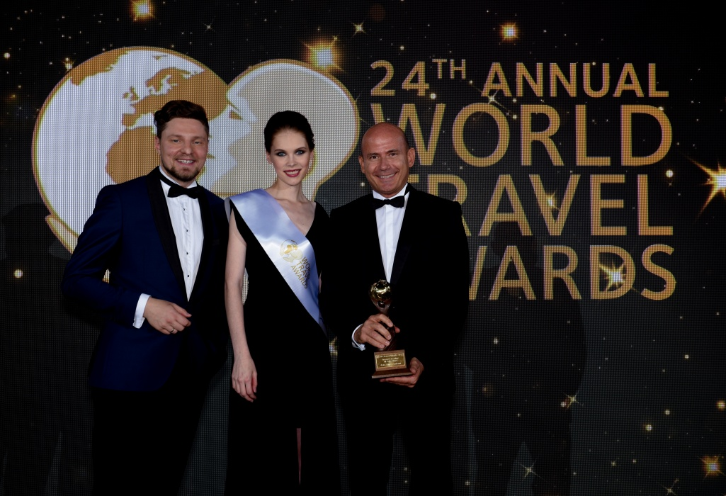 (EN) 'Greece's Leading All-Suite Hotel' at the 24th World Travel Awards